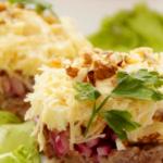 salat-muzhskie-grezy-s-myasom