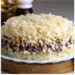 Рецепт интересного слоеного салата «Австрийский», который не останется незамеченным.