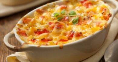 makarony-s-pomidorami-pod-syrom
