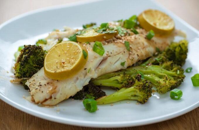 ryba-s-brokkoli-i-kabachkami-na-paru