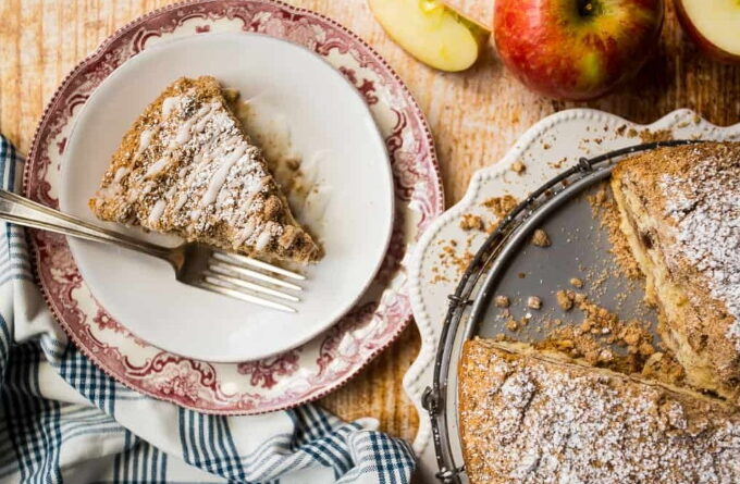 yablochno-kofejnyj-tort