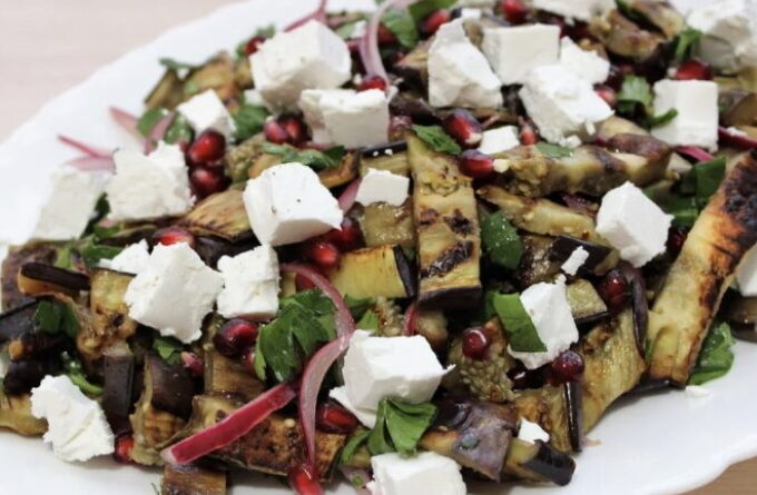 salat-s-baklazhanami-granatom-i-syrom