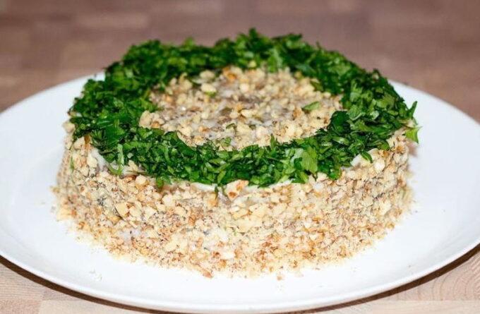 salat-s-govyadinoj-baklazhanami-i-chernoslivom