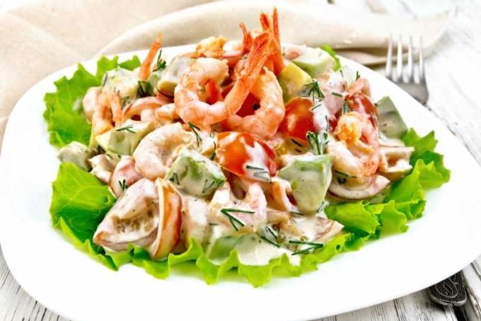 Salat-Morskoj-koktejl-s-moreproduktami