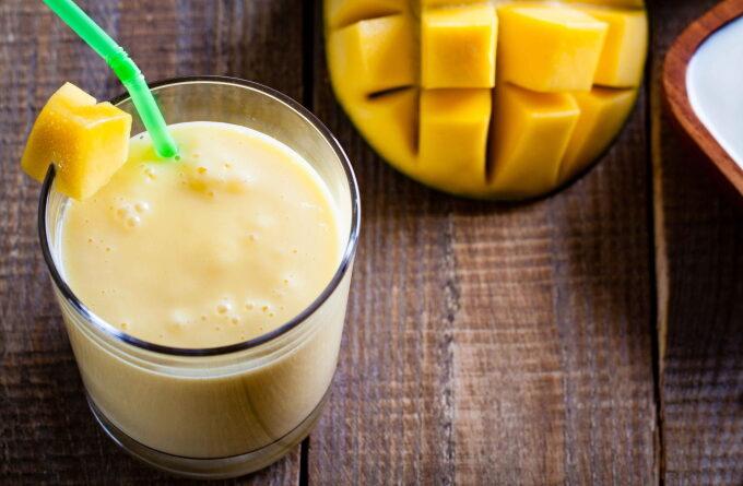 indijskij-koktejl-s-mango