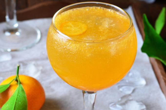 koktejl-s-shampanskim-i-mandarinami