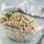 salat-olivye-s-gribami-i-kuricej