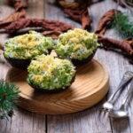 salat-s-krevetkami-v-avokado