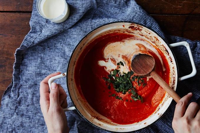 slivochno-tomatnyj-sous-s-syrom