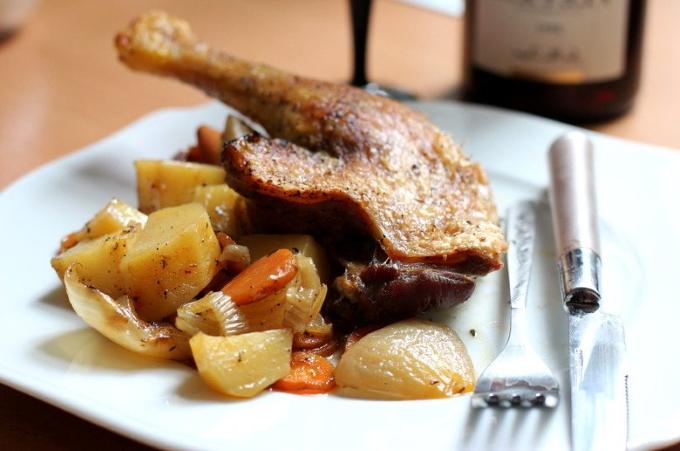 utinye-nozhki-s-kartofelem