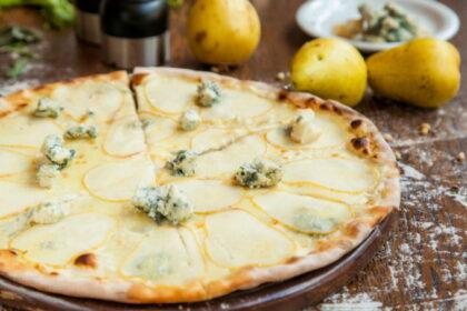 pizza-s-grushami-i-golubym-syrom