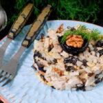 salat-s-kuricej-chernoslivom-i-greckimi-orexami