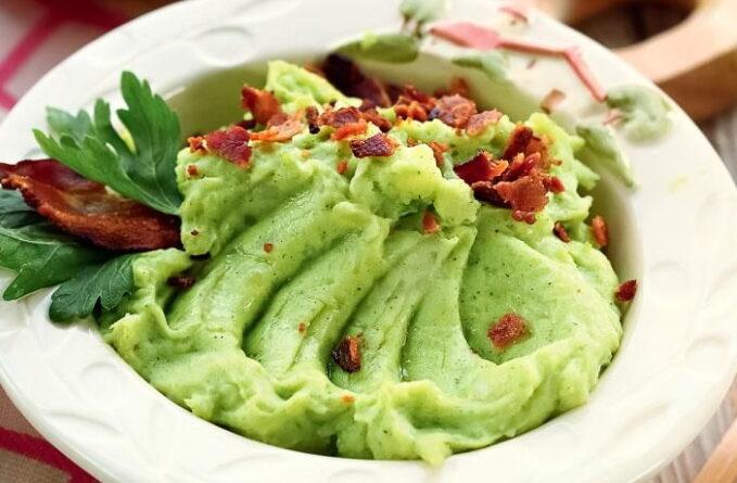 zelenoe-pyure-iz-kartofelya-i-zeleni