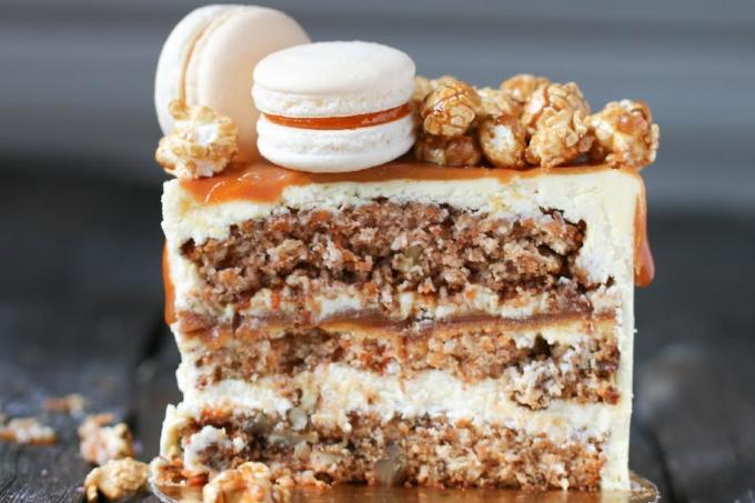 morkovnyj-tort-s-karamelu