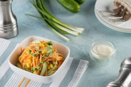 ovoshnoj-salat-s-kukuruzoj