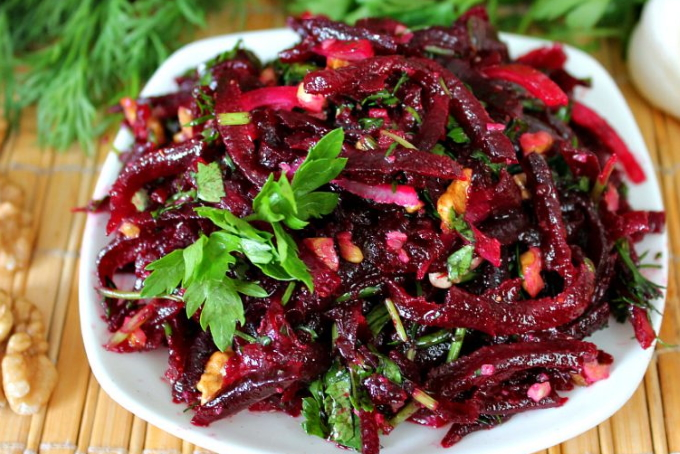 salat-so-svekloj-i-baklazhanami