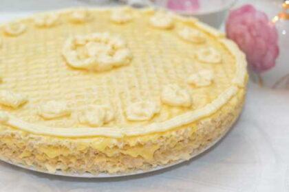 vafelnyj-tort-s-bananami