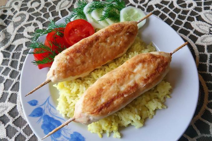 lyulya-kebab-iz-kuricy-s-syrom