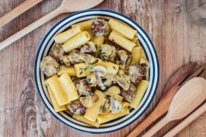 pasta-s-mitbolami-v-slivochnom-souse