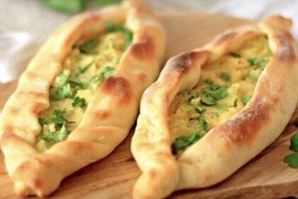 pide-s-kartofelem-i-zelenyu