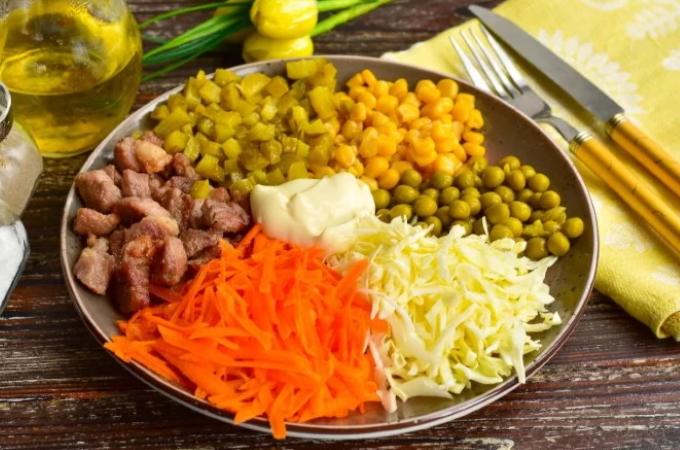 salat-osinoe-gnezdo