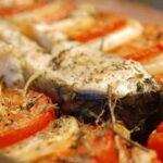 sazan-s-pomidorami-v-duxovke