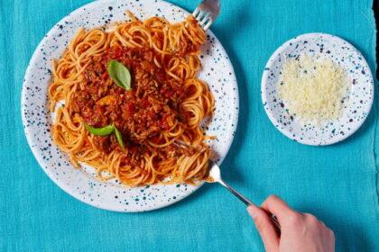 spagetti-boloneze-s-tushenkoj