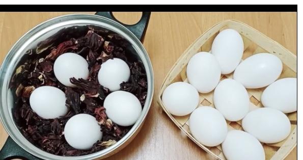 Как ИЗЯЩНО покрасить ЯЙЦА на ПАСХУ натуральной КУРКУМОЙ и чаем КАРКАДЕ - не яйца, а самоцветы