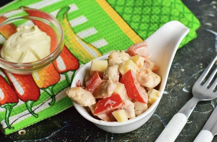 Салат «Кокетка» с курицей — интересный рецепт на скорую руку