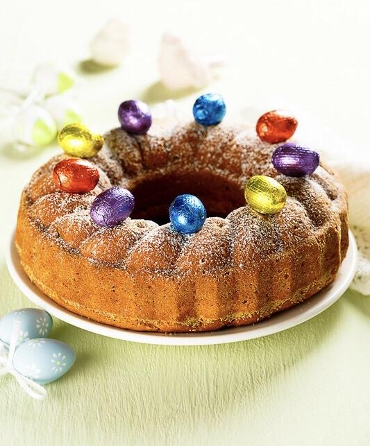 Пасхальный кекс с орехами и изюмом