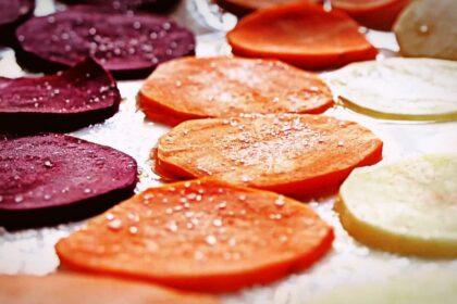 Как быстро приготовить чипсы изовощей
