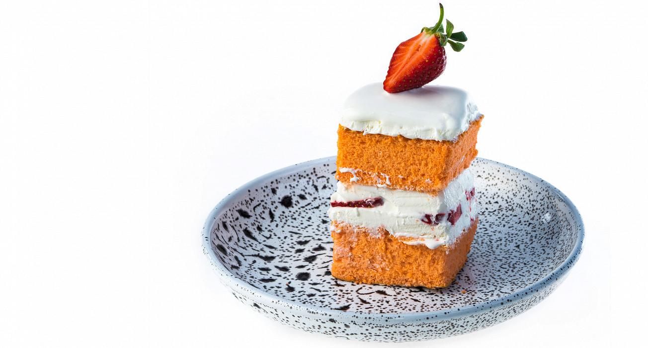 Японский клубничный торт