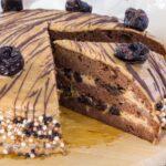 Черемуховый торт с шоколадным заварным кремом