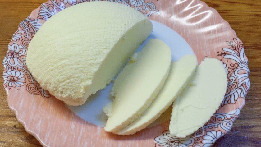 Простейший рецепт домашнего сыра к утреннему чаю. Быстро готовится и быстро съедается. Вкусно и без хлопот