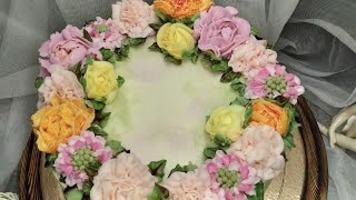 Кремовые цветы.Гвоздики, пионы.Cream flowers.Carnations, peonies.Flores color crema.Claveles,peonías