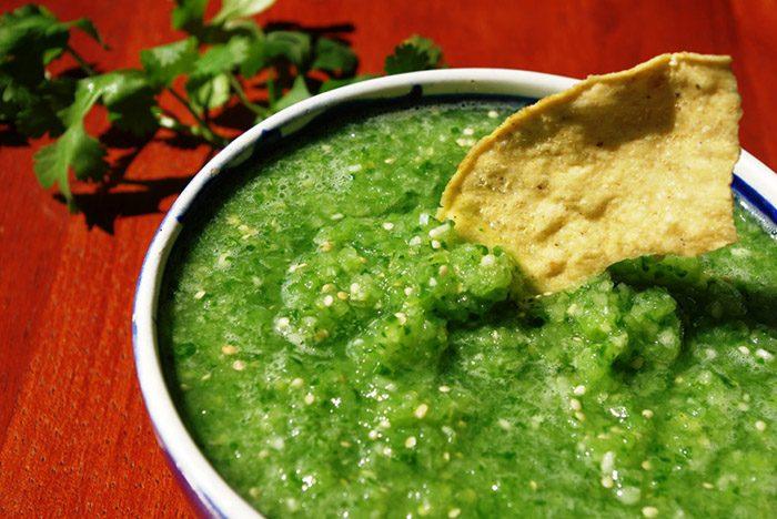 Зеленый соус к мясу