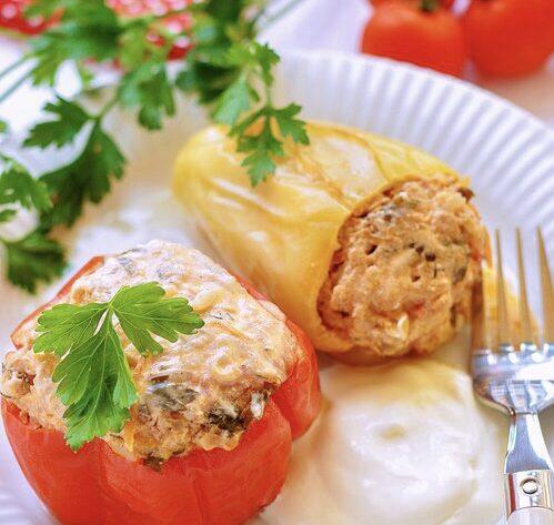 Перец, фаршированный мясной начинкой