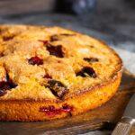 Легендарный сливовый пирог: его просто печь иможно хранить вморозилке
