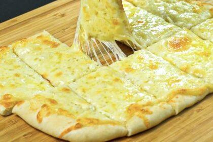 Это лучше чем пицца. Сырно-чесночный хлеб. Быстрый, летний рецепт к чаю