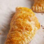 Пирожки с брокколи и сыром