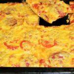 Обалденная пицца и главное никакой возни с тестом Обалденная пицца и главное никакой возни с тестом КУЛИНАРИЯ НА ЧТЕНИЕ 1 мин. ПРОСМОТРОВ 70 ОПУБЛИКОВАНО 25.07.2021 Обалденная пицца и главное никакой возни с тестом 3 часа 26 минут назад Տղամարդի՛կ! Առանց Վիագրայի բավարարեք Ձեր կնոջը 50 տարեկանից հետո Еще 325 83 304 Предлагаем вам приготовить быструю пиццу. Результат вас поразит, вы даже не представляете насколько это вкусно! А главное-никакой возни с тестом. Пицца получается ароматная с сочной начинкой и хрустящей основой. Приготовьте ее для своих домочадцев или гостей, они будут в восторге. Необходимые продукты 2 листа лаваша 300 грамм колбасы 150 грамм сыра 30 грамм кетчупа 3 помидора Начинаем приготовление Колбасу нарезаем соломкой или кружочками. Помидоры нарезаем тонкими кружочками. Натираем на терке сыр. Берем противень, кладем на него лаваш и присыпаем 1/4 частью подготовленного сыра. Сверху кладем второй лист лаваша и промазываем его кетчупом. Затем выкладываем колбасу, помидоры и присыпаем оставшимся сыром. Заготовку ставим в духовку, разогретую до 200 градусов. Выпекаем в течение 10 минут, нарезаем кусочками и подаем к столу.