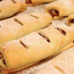 """Если пропадает сметана, готовлю """"яблочные полоски"""", уж очень простое и необычное по вкусу тесто получается! Такое оно нежное"""