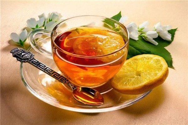 От простуды: Теплый чай с медом и лимоном.
